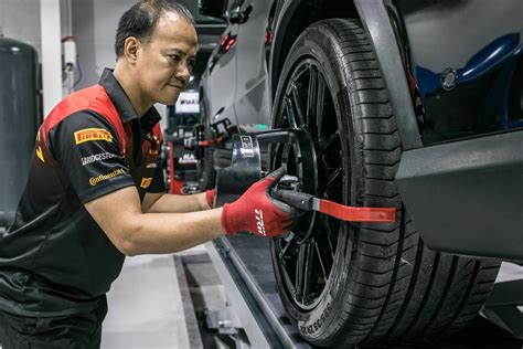 Car Tyre Services Dubai, Car Tyre Repair Service Near Me