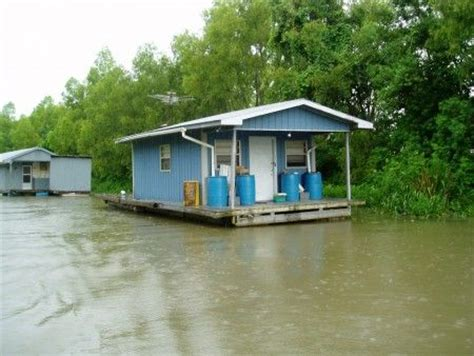 Boats For Sale In North Mississippi by Barges For Sale Houseboats And Louisiana On Pinterest