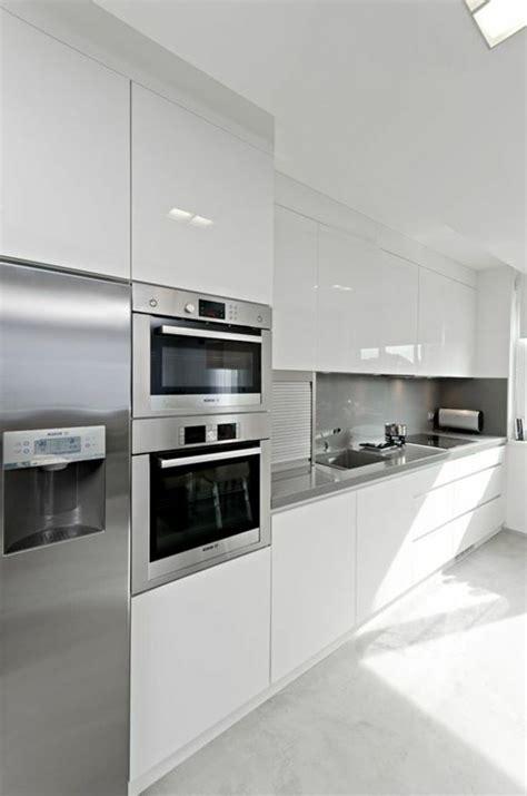 ideas de decorar vuestra cocina blanca  gris luis