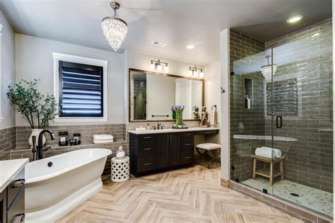 Modern Bathrooms Setting Ideas.