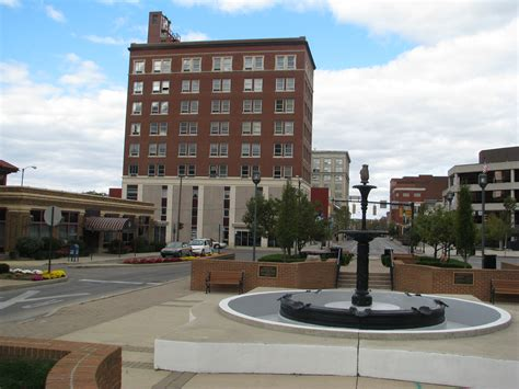 Springfield Image by File Square Springfield O Jpg Wikimedia Commons