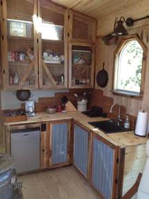 small rustic kitchen ideas best 25 small cabin kitchens ideas on rustic cabin kitchens rustic cabin decor and