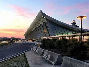Popularity of U... Dulles International Airport