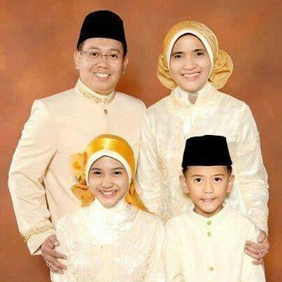 potret manis iqbaal ramadhan keluarga bukti family