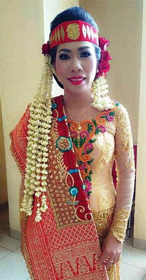 14 model kebaya pengantin khas batak terbaru menarik dan elegan