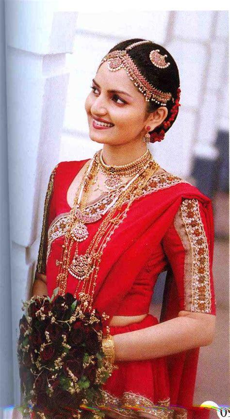 sri lankan bride  kandyan saree sri lankan bride