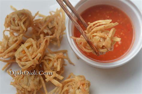 Misalkan saja menggunakan pare dan jamur sebagai kulitnya. Dim Sum : Bakso Ayam & Udang Rambutan