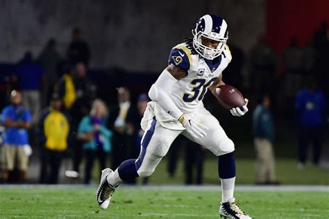 la rams rb todd gurleys star power   broaden rams