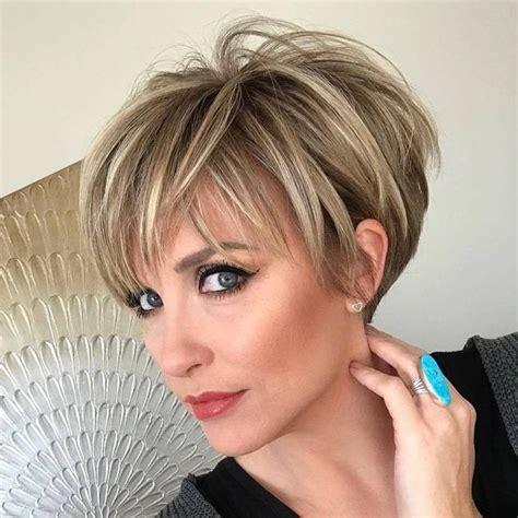 Im heutigen sprachgebrauch gilt die abwertende bemerkung menschen beiderlei geschlechts. Pixie Cut Haarschnitt: Pixie Frisuren für kurze Haare (2019)
