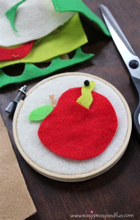 felt apple craft   school crafts  kids easy