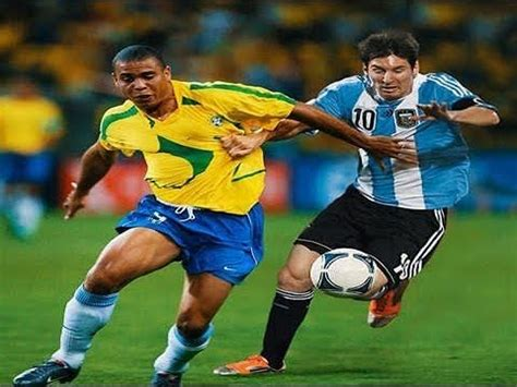 ronaldo fenomeno  lionel messi dribbling battle hd