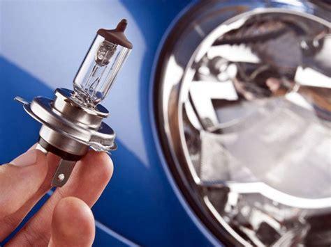 sostituire lampadina auto reggio emilia adani service