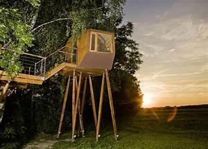 Baumhaus Auf Stelzen : futuristically shaped treehouse in austria by baumraum ~ Articles-book.com Haus und Dekorationen