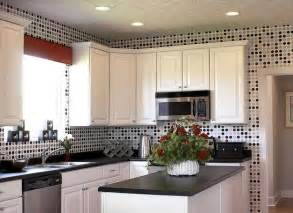 wallpaper in kitchen ideas white kitchen cabinets and modern wallpaper ideas for decorating with kitchen wallpaper