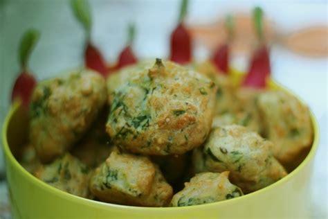 cuisiner les feuilles de radis cuisiner fanes de carottes 28 images falafels aux