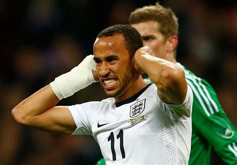 Pictured: Andros Townsend's mangled £100k Porsche after ...