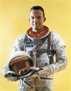 L. Gordon Cooper, Jr. | biography - American astronaut ...