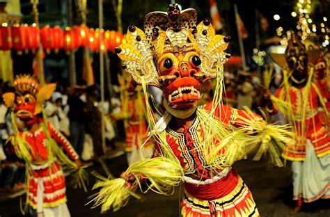 slideshow  navam perahera festival  colombo sri lanka