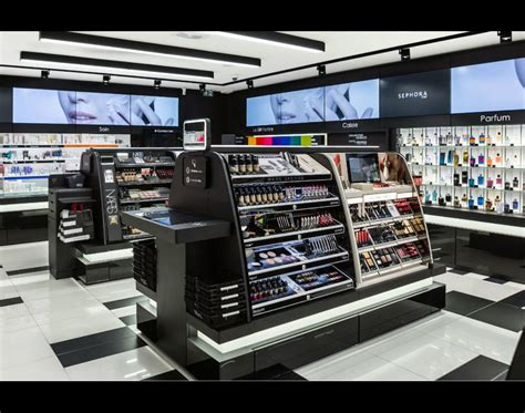 sephora si鑒e une boutique miniature en images panier digital écrans tactiles et produits virtuels sephora invente un nouveau magasin de proximité