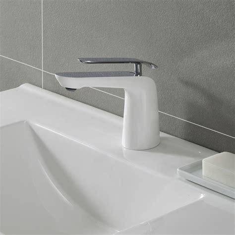 kraus fuschwh single handle cast spout bathroom faucet