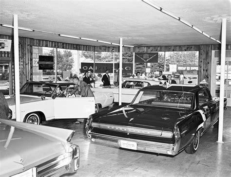 Cadillac/pontiac Dealer, 1962.