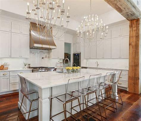 benjamin moore oc  white wisp pale gray kitchen cabinet