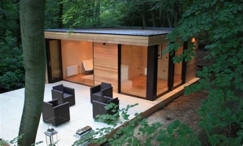 Garden Room With Living Roof by Rubber Roofs For Garden Rooms Office Studios Rubber4roofs