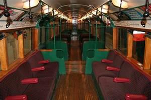 High riser art deco train for Art deco train interior