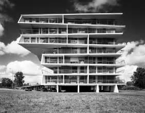 design le le corbusier shown to be a sympathizer national vanguard
