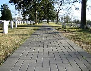 Very pretty cemetery - Picture of Historic Oakwood ...