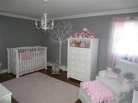 idee deco chambre bebe rose  gris visuel
