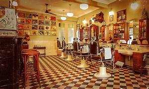 Décoration et rennaissance des salons de coiffure barbier.