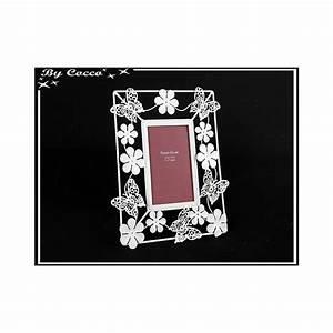 Cadre Blanc Photo : cadre photo fleurs et papillons m tal blanc cocconelle ~ Teatrodelosmanantiales.com Idées de Décoration