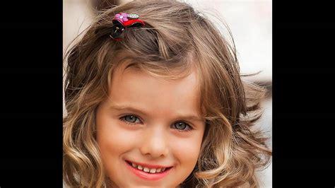 Modische Haarschnitte Und