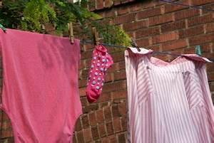 Zimmer Geruch Entfernen : modriger geruch so entfernen sie ihn aus kleidung ~ Markanthonyermac.com Haus und Dekorationen