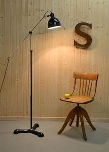 Lampe Haute Sur Pied : projecteurs de spectacle vintage th tre et cin ma divers install s sur des tr pieds pour ~ Teatrodelosmanantiales.com Idées de Décoration
