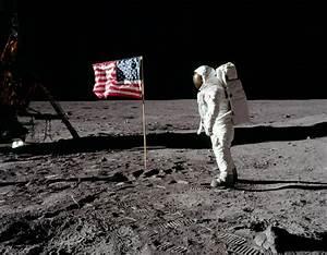 La mission Apollo 11 sur la Lune rediffusée dans les ...