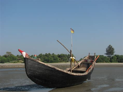 Modern Fishing Boat In India by Traditional Fishing Boat