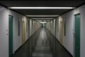Corbusier Haus Berlin : couloir d 39 habitation wohnungsgang unit d 39 habitation de le corbusier corbusierhaus berlin ~ Markanthonyermac.com Haus und Dekorationen