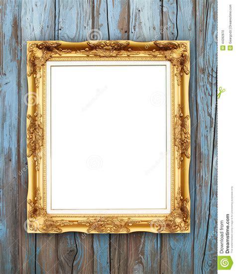 cadre d or vide sur le mur en bois photo stock image 44282870