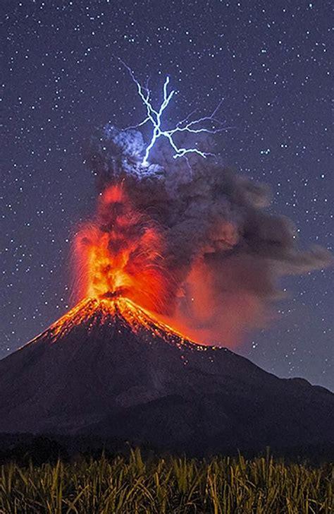 Volcano Images Best 25 Volcanoes Ideas On Volcano Eruption
