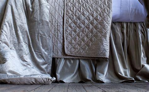 Lili Alessandra Soho White Linen With Silver Velvet