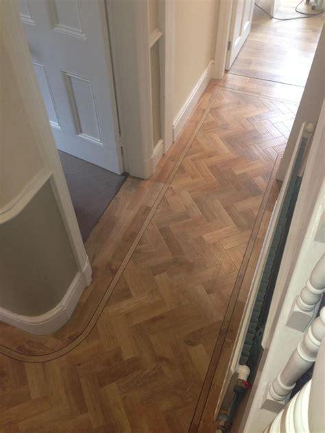 Fliesen Legen Schmaler Flur by 25 Best Ideas About Hallway Flooring On