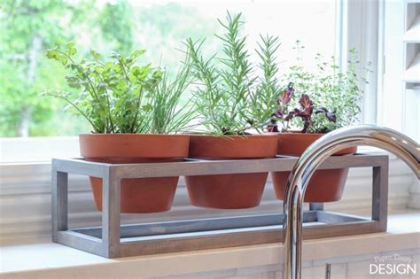 How To Build A Modern Windowsill Planter