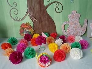 Boule En Papier Crepon : des fleurs en papier cr pon les p 39 tites mains bricoleuses ~ Dode.kayakingforconservation.com Idées de Décoration
