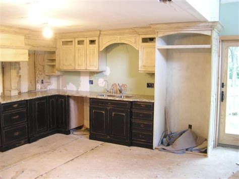 painting and distressing kitchen cabinets distressed white kitchen cabinets photos 7318