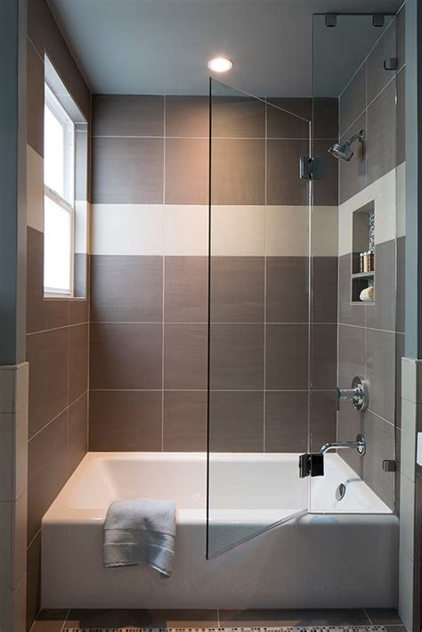 Bathtubs With Shower by Fabulously Small Bathtubs With Shower For A Small