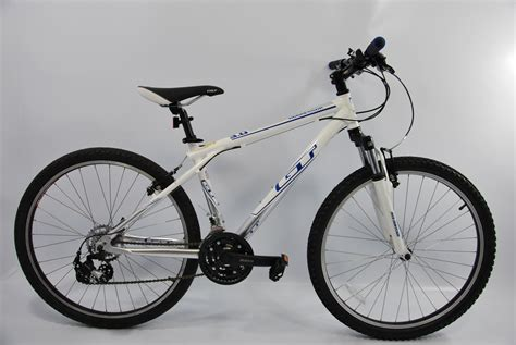 Gt Aggressor 3.0 Silver-white 2011 Mountain Bike Small