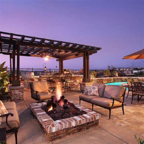 luxury deck house