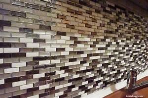 test le carrelage adhesif par smart tiles initiales With carrelage adhesif salle de bain avec lit led design